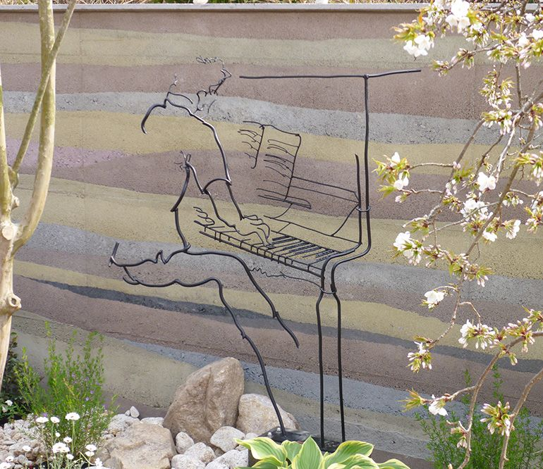 鉄筋彫刻でお庭にアートを