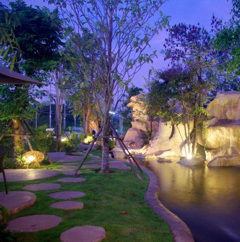 すてきな庭をもっとすてきに魅せるガーデンライト